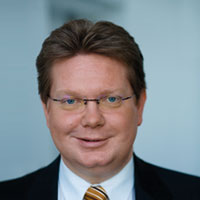 Dr. Arndt Neuhaus